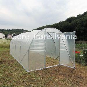 solar hobbit 4x7,5m instalat in curte