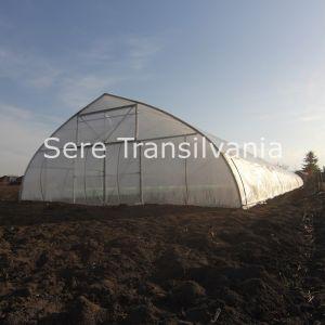 poza din exterior cu solar gotic 10x30m cu folie dubla inflata cu deschideri laterale