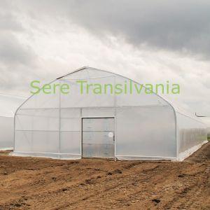 vedere din fata cu solar cu pereti verticali 9x40m cu folie dubla inflata cu deschidere superioara