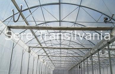 Folosirea ecranelor termice și de umbrire la cultura de tomate în sere și solarii